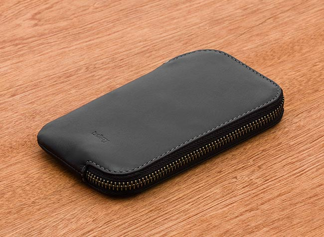 1_bellroy-wdpb-black-texture-bellroywebsite-01
