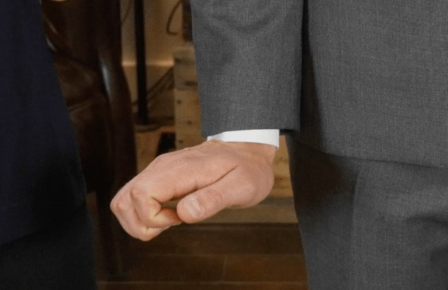 Sleeve-Length-Ashely-Weston-How-Your-Suit-Should-Fit