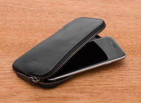 2_bellroy-wdpb-black-texture-bellroywebsite-04